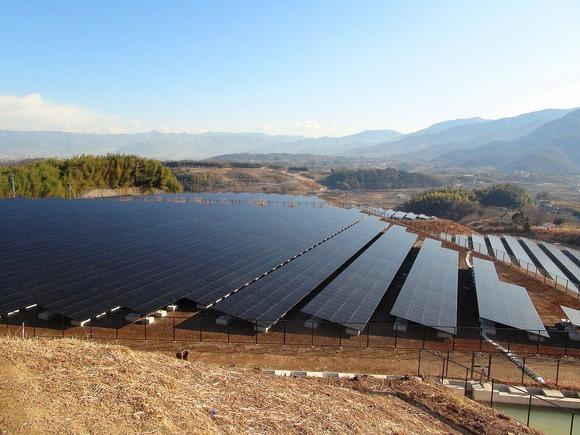 米倉山太陽光発電所 (1)