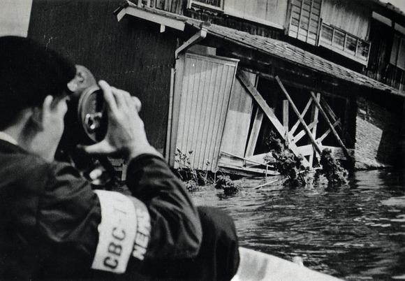 被災地を取材するCBC(中部日本放送)のテレビニュース班