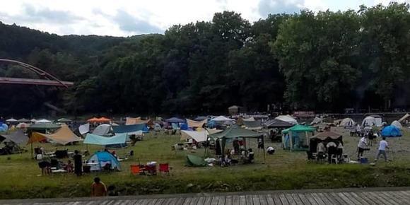 【埼玉】河原にBBQ人殺到。響く笑い声「1日60~70のテント」近隣住民の通報で飯能河原一時閉鎖へ