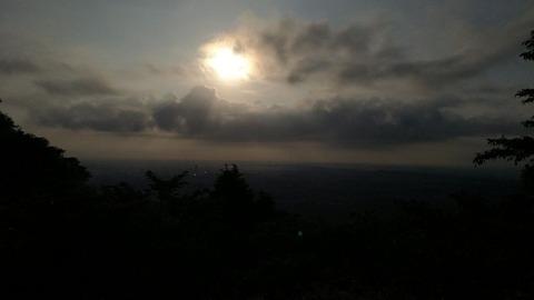 高尾山の朝陽