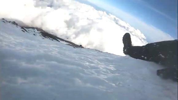 【悲報】富士山で滑落死してダーウィン賞受賞した男、忘れられる