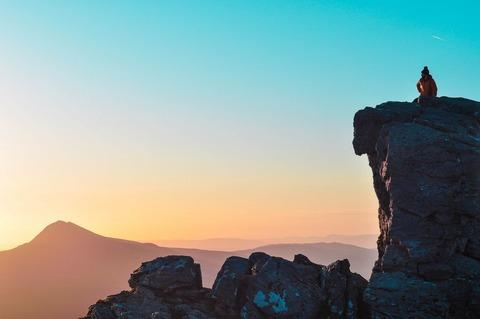 頂上の登山者