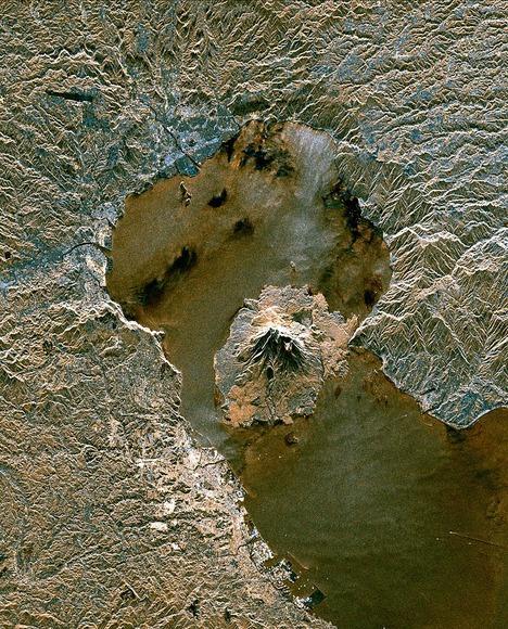 鹿児島湾北部の衛星写真