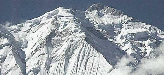 パキスタンのアーリアバードから撮影したラカポシ山