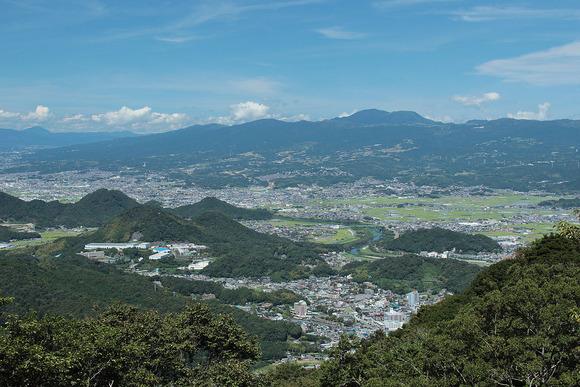 箱根山を南南西から望む