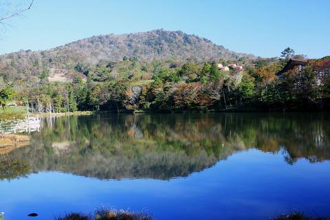矢筈池から茶臼山