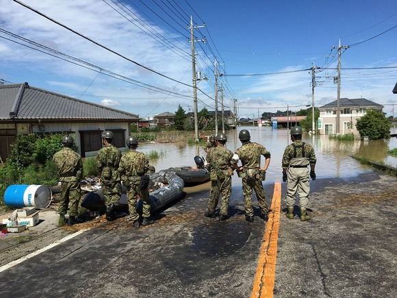 浸水した茨城県常総市に派遣された自衛隊員