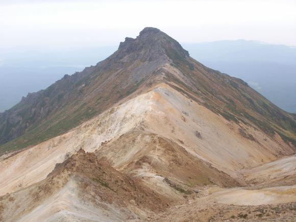 比布岳から見た愛別岳 (1)