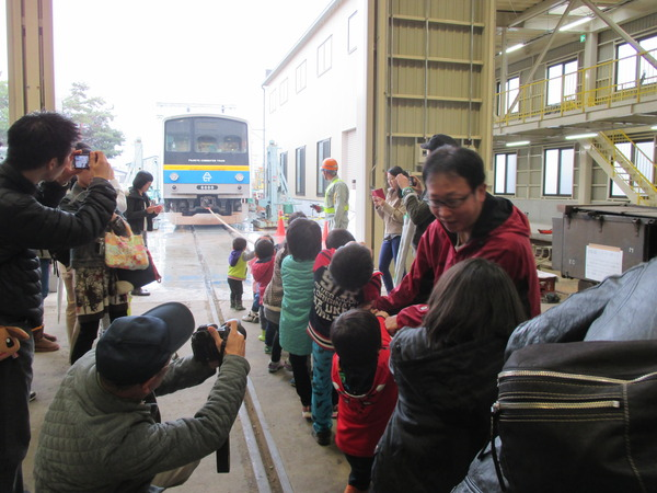 2810【プレス】富士急電車まつり2016(画像②)