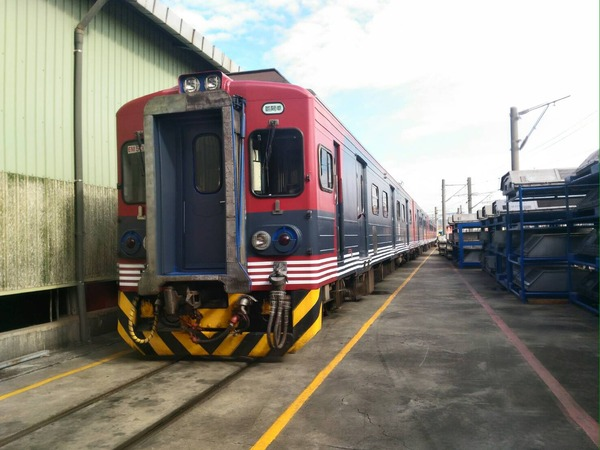 EMU500型しなの鉄道色2