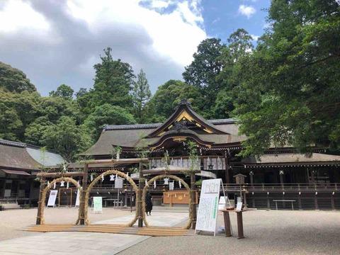 夏越の大祓 大神神社で茅の輪くぐり
