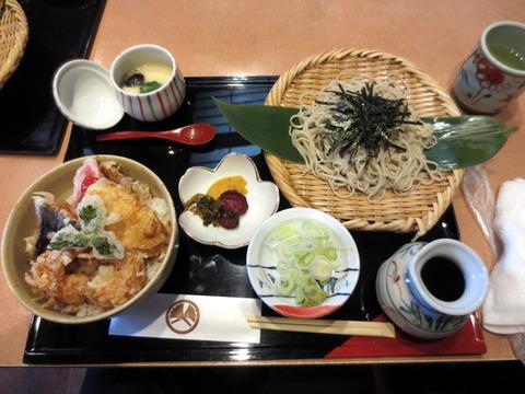 諏訪屋天ぷら丼と蕎麦2