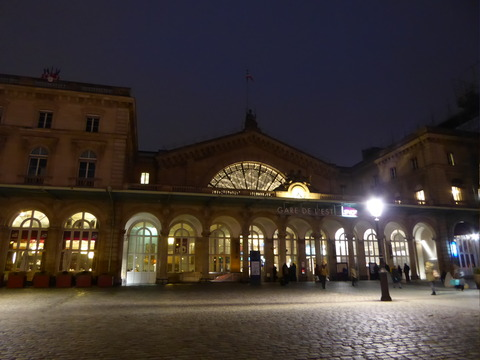 東駅 (1)
