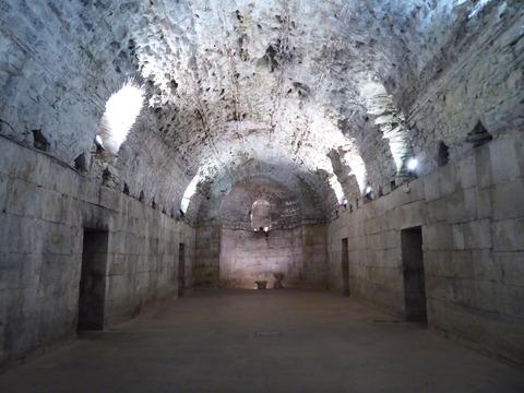 宮殿の地下 (34)