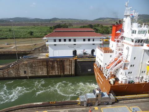 パナマ運河 (122)