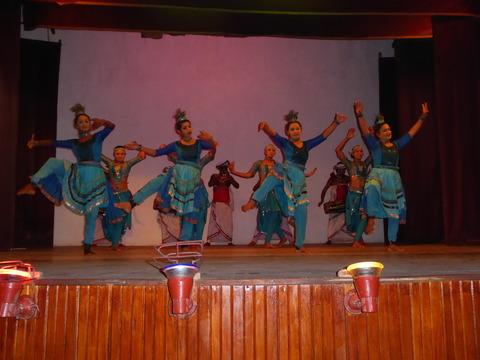 キャンディアンダンス4 Peacock dance