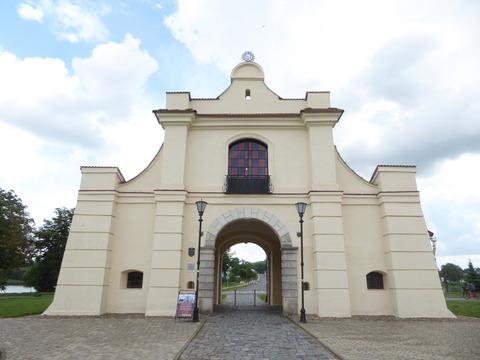 ゲート (2)