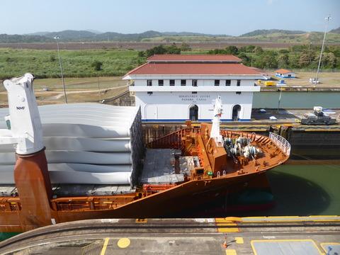 パナマ運河 (112)