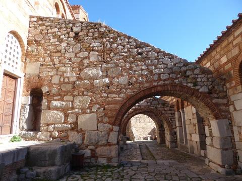 ④オシオス・ルカス修道院 (70)