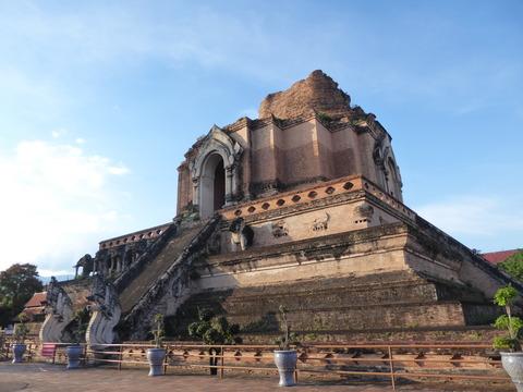Wat Chedi Luang (10)