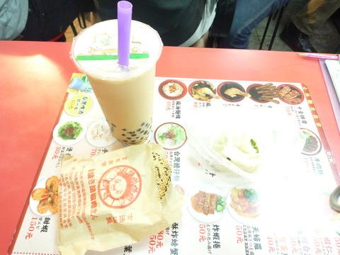⑩パールミルクティー・胡椒餅・上海生煎包
