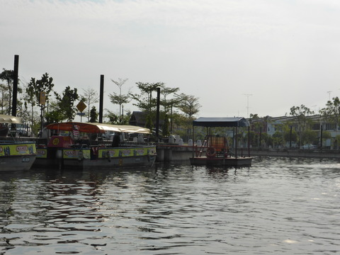マラッカ川クルーズ