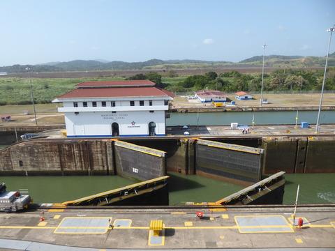 パナマ運河 (136)