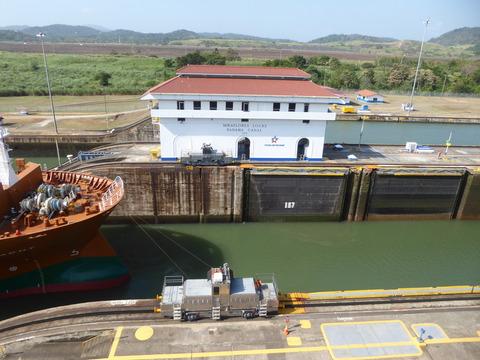 パナマ運河 (106)