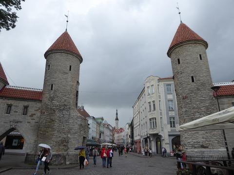 タリン旧市街123 ヴィル門