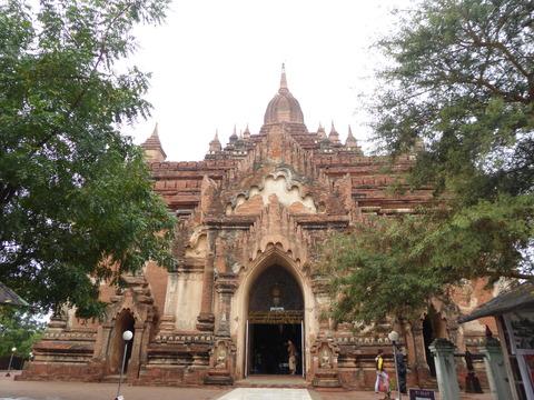 ティンロミンロー寺院