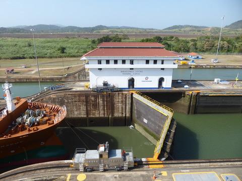 パナマ運河 (88)