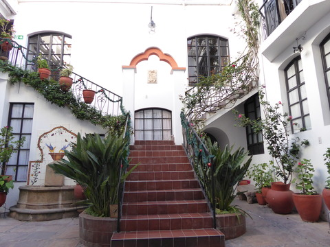 ⑨El Hostal de Merced6