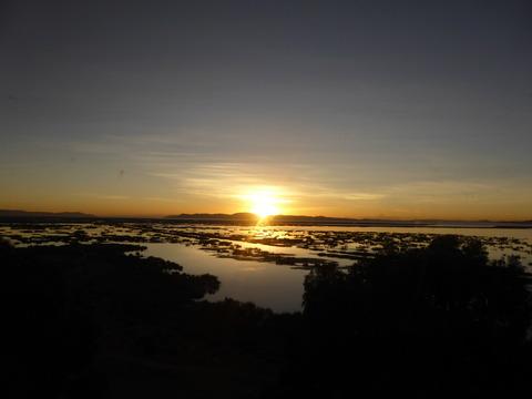 チチカカ湖の明け方