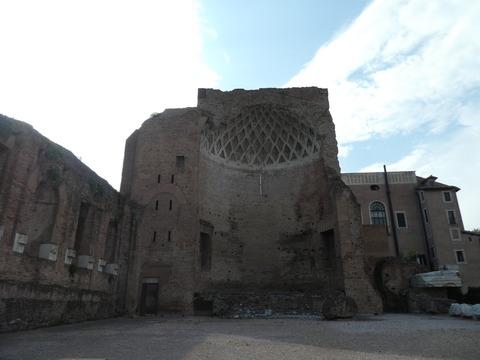 フォロロマーノ (77) ウェヌスとローマの神殿