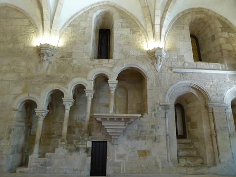 アルコバサ修道院 (23)食堂