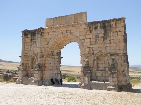 ⑦ヴォルビリス遺跡27 カラカラ帝の凱旋門