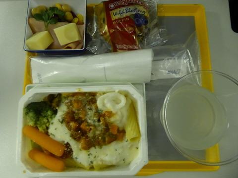 機内食 (4)