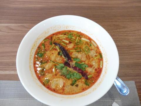⑨昼食 (4) Tom Yum Kung