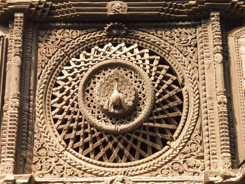 バクタプル (70)孔雀の窓
