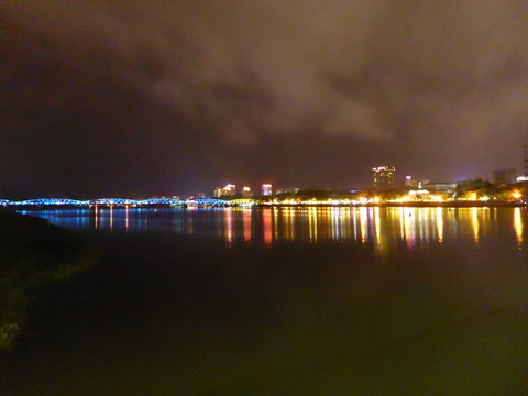 フエの夜景2