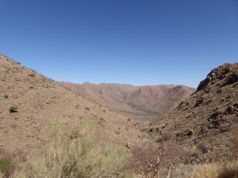 ナミブ砂漠へ 2