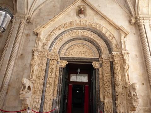聖ロヴロ大聖堂 (8)