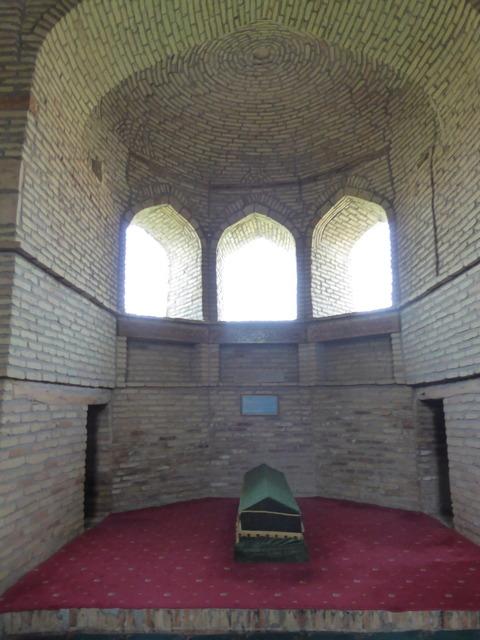 カファリ・シャーシ廟2