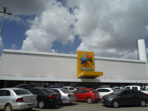 Tropical shopping center (7)