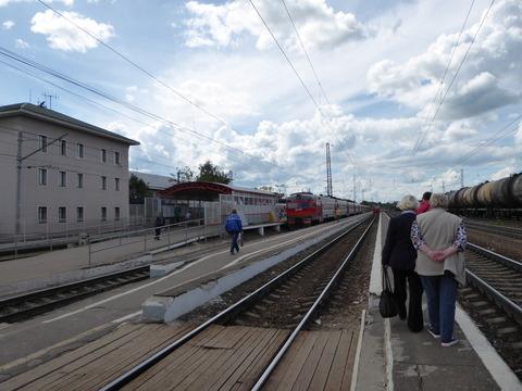 ⑨アレクサンドロフ駅 (2)