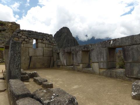 3つの窓の神殿