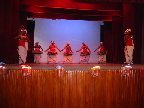 キャンディアンダンス1 Ceremonial Drums