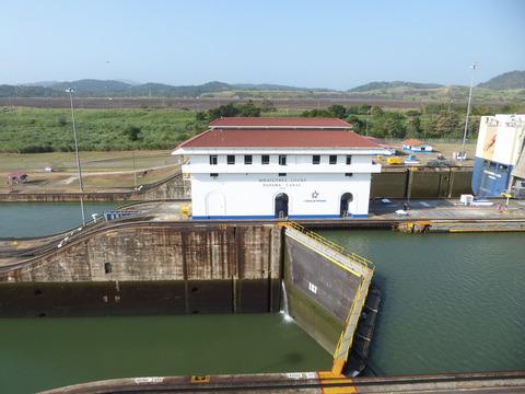 パナマ運河 (28)