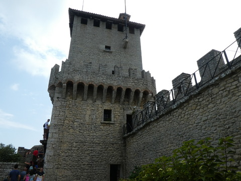 第一の塔 (14)