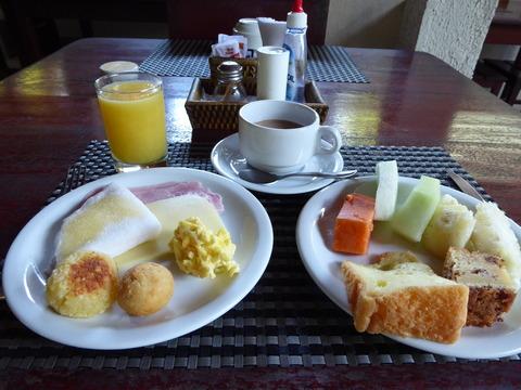 ①朝食 (2)